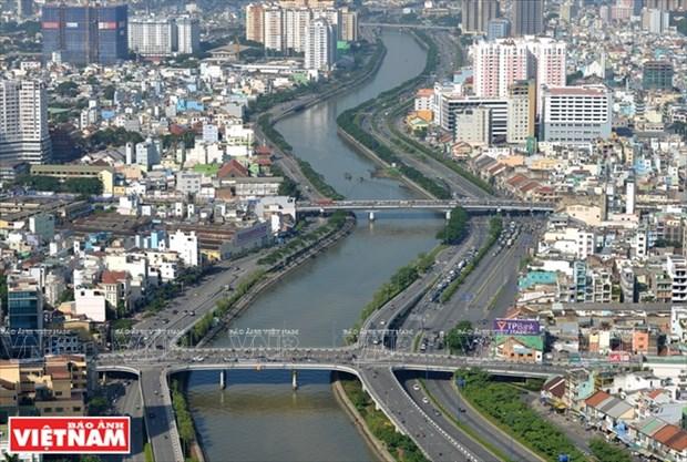 Ciudad Ho Chi Minh analiza situacion socioeconomica de primer semestre de 2017 hinh anh 1