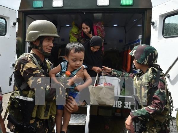 Filipinas: detienen a lideres y financiador de grupo insurgente Maute en Marawi hinh anh 1