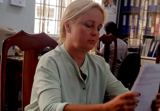 Arrestan en Vietnam a delincuente rusa buscada por Interpol hinh anh 1