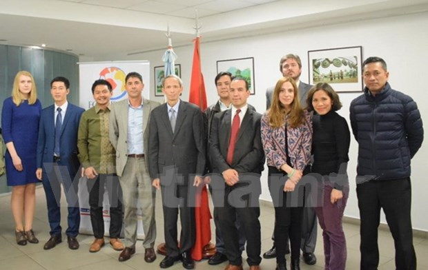 Promueven imagenes de Vietnam en Argentina hinh anh 2