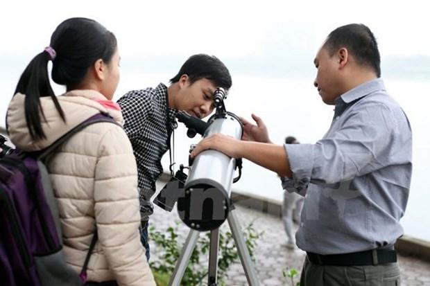 Analizan en Vietnam estudios cientificos de cosmografia y neutrinos hinh anh 1