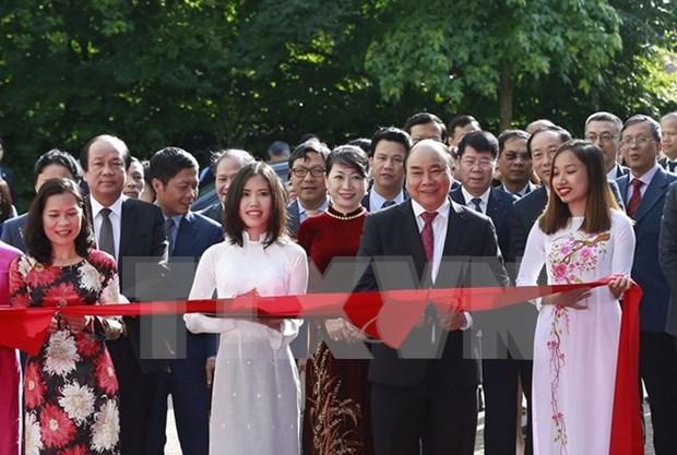Premier inaugura nueva sede de embajada de Vietnam en Paises Bajos hinh anh 1