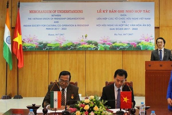 Robustecen relaciones de amistad Vietnam-India hinh anh 1