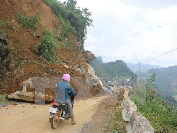 Reportan 12 muertos en Vietnam por inundaciones y deslaves hinh anh 1