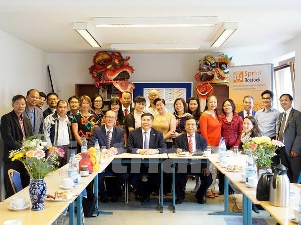 Vietnam llama a inversiones de localidad alemana hinh anh 1