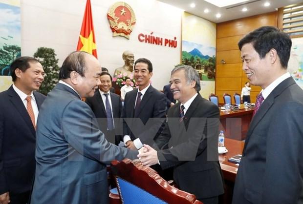 Premier vietnamita pide a embajadores asistir a mas de cuatro millones de connacionales en extranjero hinh anh 1