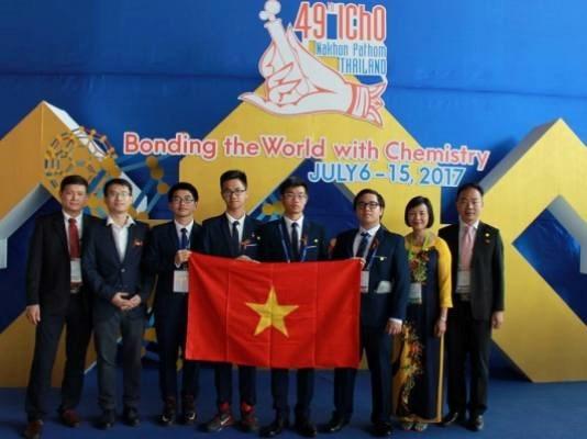 Vietnam obtiene mejores resultados en Olimpiada Internacional de Quimica hinh anh 1