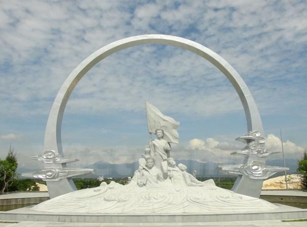 Pueblo vietnamita manifiesta gratitud a veteranos de guerra y martires hinh anh 1