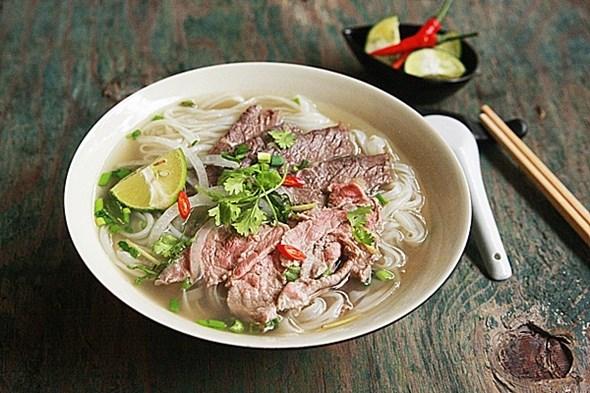 CNN publica lista de las 10 mejores comidas callejeras de Vietnam hinh anh 1