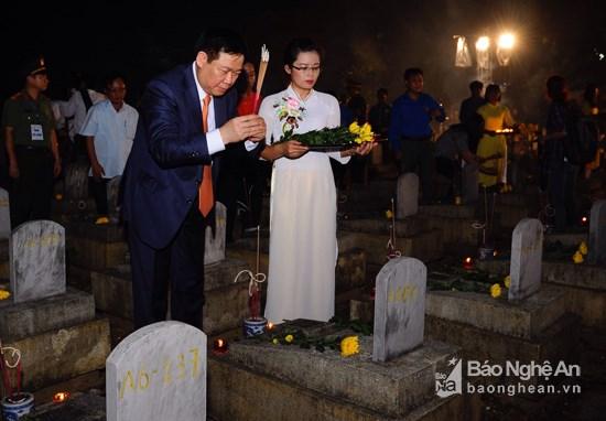 Rinden homenaje a voluntarios vietnamitas caidos en Laos hinh anh 1