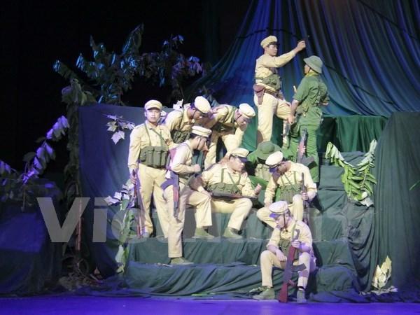 """""""En la misma trinchera"""": un drama emocional sobre amistad Vietnam-Laos hinh anh 1"""