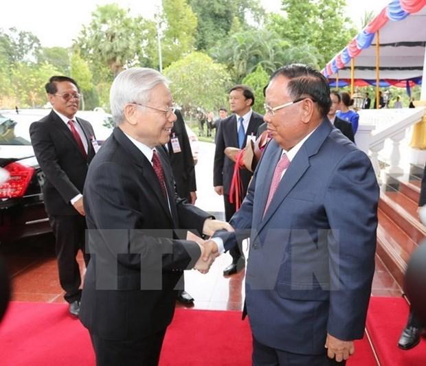Vietnam y Laos intercambian felicitaciones por aniversario de lazos diplomaticos hinh anh 1