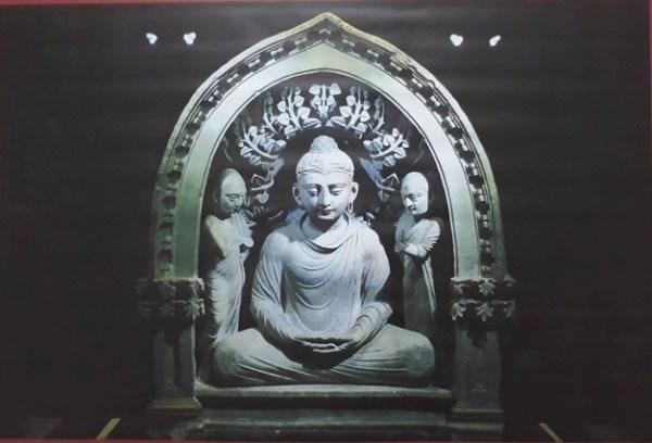 Inauguran en Hanoi exposicion sobre patrimonios budistas hinh anh 1