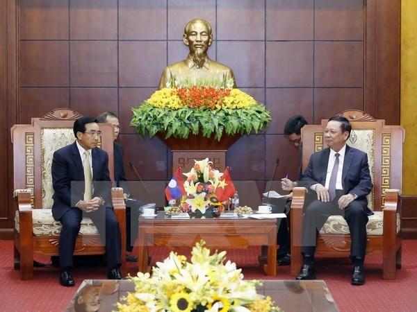 Vicepresidente de Laos visita provincia vietnamita de Hoa Binh hinh anh 1