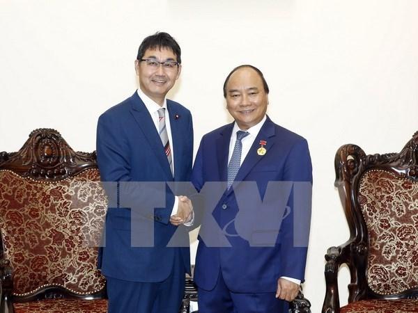 Primer Ministro de Vietnam recibe a asesor especial del premier japones hinh anh 1