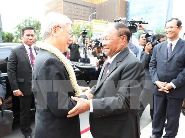 Maximo dirigente politico de Vietnam resalta lazos con Camboya hinh anh 1