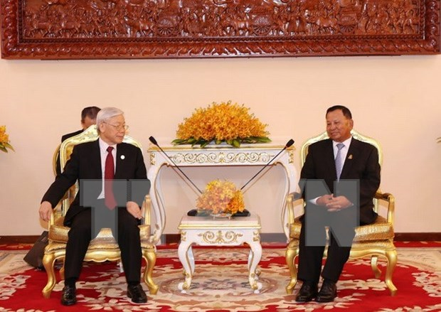 Maximo dirigente politico de Vietnam se reune con presidente del Senado camboyano hinh anh 1