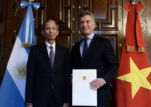 Embajador vietnamita en Argentina entrega cartas credenciales hinh anh 1