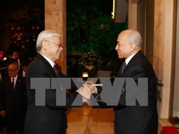 Prensa camboyana destaca visita del maximo dirigente partidista vietnamita hinh anh 1