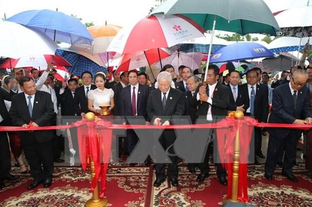 Secretario general de PCV inaugura monumento de amistad Vietnam- Camboya hinh anh 1