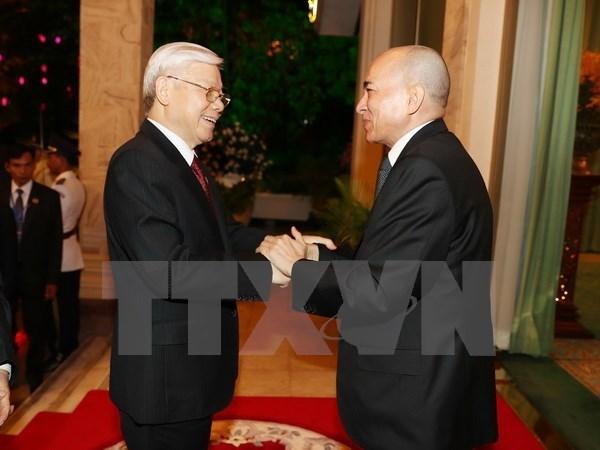 Secretario general del PCV envia mensaje de agradecimiento al rey camboyano hinh anh 1