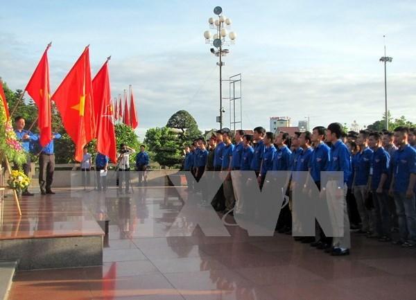 Jovenes de Ciudad Ho Chi Minh se unen a actividades voluntarias en Laos hinh anh 1