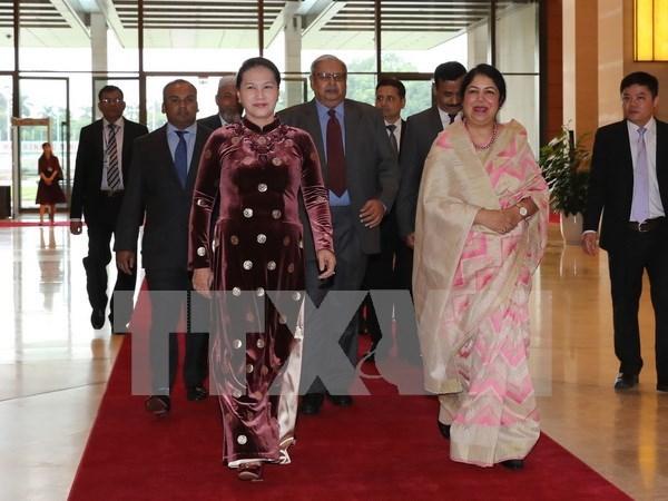 Presidenta de Bangladesh concluye visita oficial a Vietnam hinh anh 1