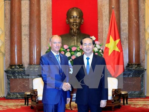 Vietnam aprecia lazos en defensa con Rusia, afirma presidente hinh anh 1