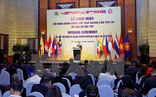 ASEAN trabaja por una comunidad libre de drogas hinh anh 1