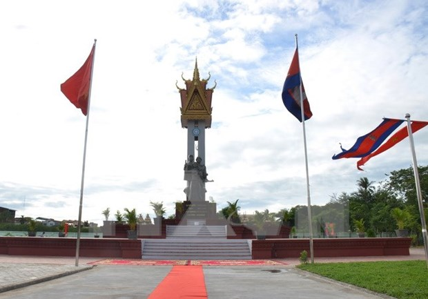 Inauguran Monumento de Amistad Vietnam-Camboya en Battambang hinh anh 1