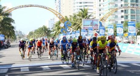 Da Nang celebra rodada ciclista en apoyo a victimas de agente naranja hinh anh 1