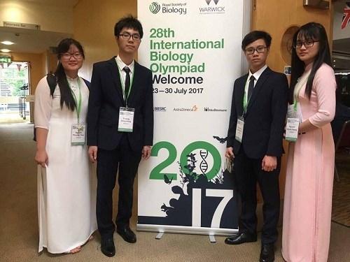 Alumnos vietnamitas brillan en Olimpiada Internacional de Biologia hinh anh 1