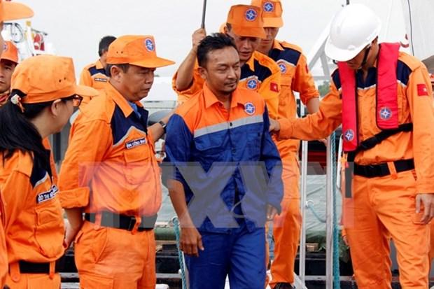 Entregan a Consulado malasio marino accidentado en mar de Vietnam hinh anh 1