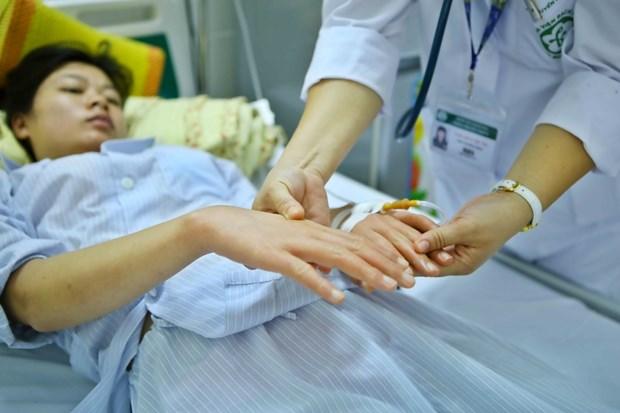 Aumentan los casos de dengue en Vietnam hinh anh 1