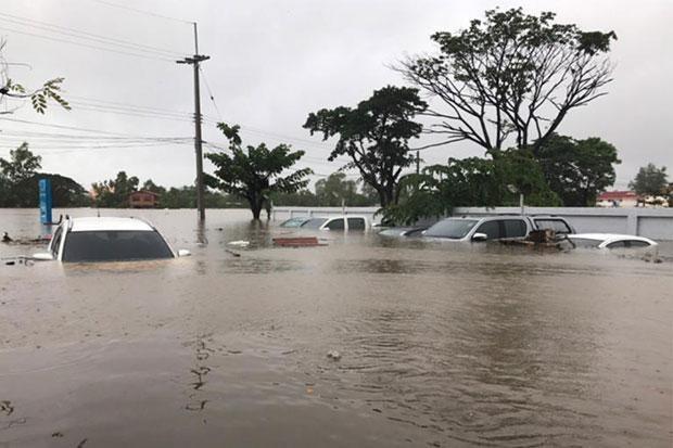 Vietnam envia pesame a Tailandia por perdidas provocadas por inundaciones hinh anh 1