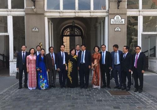 Hanoi adquiere experiencias de Budapest en conservacion de sitios historicos hinh anh 1