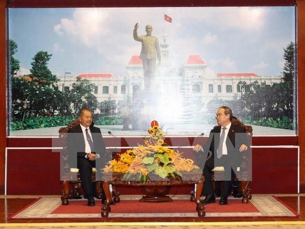 Relacion entre Ciudad Ho Chi Minh y localidades laosianas desarrolla vigorosamente hinh anh 1