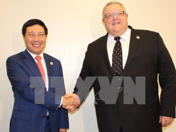 Vietnam fortalece lazos internacionales en actividades al margen de AMM- 50 hinh anh 1