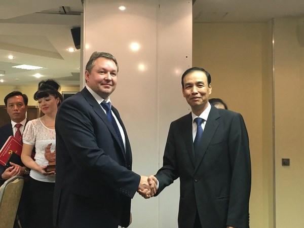 Hanoi desea robustecer relaciones multisectoriales con capitales de paises europeos hinh anh 1