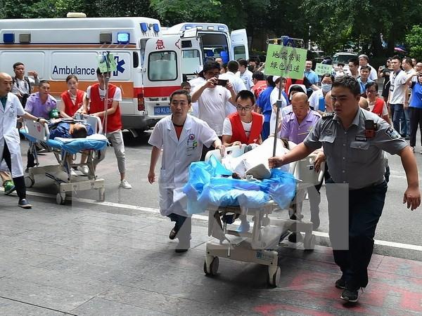 Agencias de viajes vietnamitas reajustan tours a zona china afectada por sismo hinh anh 1