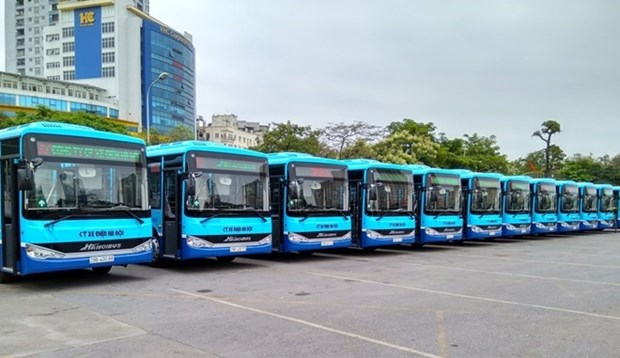 Hanoi abrira 14 nuevas rutas de autobus en 2017 hinh anh 1