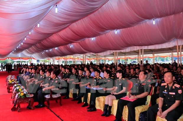 Vietnam ofrece capacitacion a oficiales del ejercito laosiano hinh anh 1