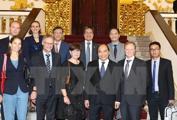 Vietnam da bienvenida a inversores europeos, dice premier hinh anh 1