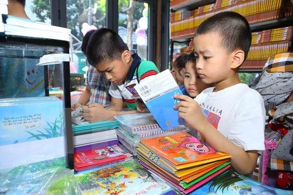 Mas de 40 mil titulos de libros seran ofertados en Feria Internacional del libro de Vietnam hinh anh 1