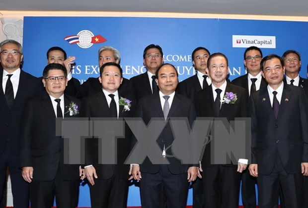 Premier vietnamita dialoga con representantes de empresas tailandesas hinh anh 1