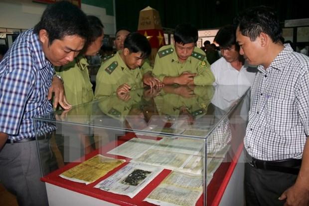 Exiben documentos sobre soberania de Vietnam en archipielagos de Hoang Sa y Truong Sa hinh anh 1
