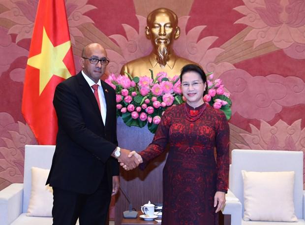 Vietnam fortalece nexos con Cuba y Mozambique hinh anh 1