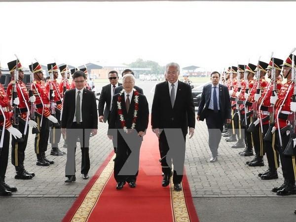 Inicia maximo dirigente partidista de Vietnam visita oficial a Indonesia hinh anh 1
