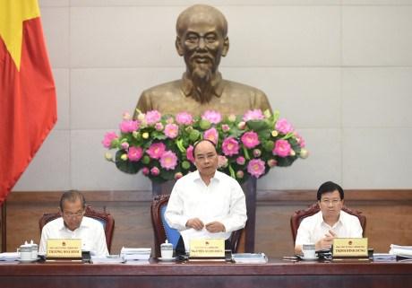 Gobierno vietnamita debate perfeccionamiento legislativo hinh anh 1