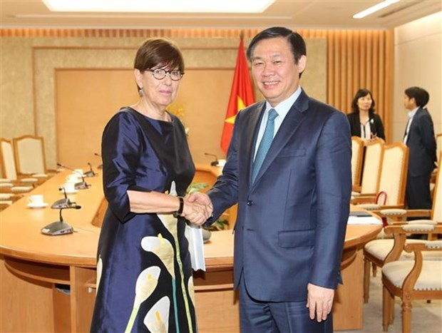 Vicepremier vietnamita recibe a embajadores de paises europeos hinh anh 1